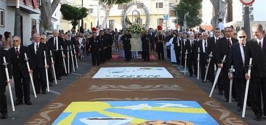 Corpus Christi Alfombras (gekleurde zouttapijten) te Adeje